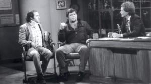 Andy Kaufman saat dirundingkan dengan The King Lawler. (Foto: andykaufman.jvlnet.com)