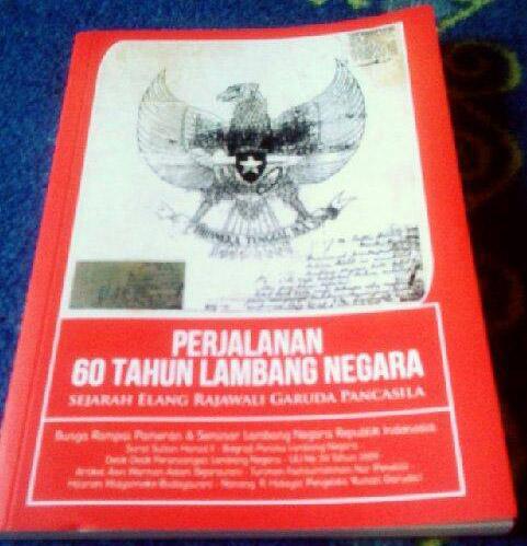"Buku ""Perjalanan 60 Tahun Lambang Negara: Sejarah Elang Rajawali Garuda Pancasila"". (Foto: Adew Habsta)"